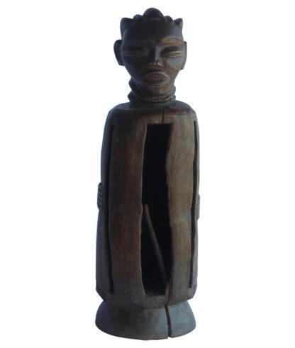 Tambourin sculpté en bois